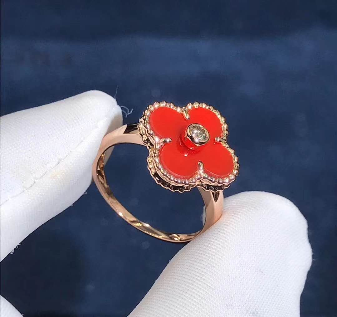 Van Cleef & Arpels 18K Yellow Gold Carnelian Diamond Vintage Alhambra Ring VCARD40800
