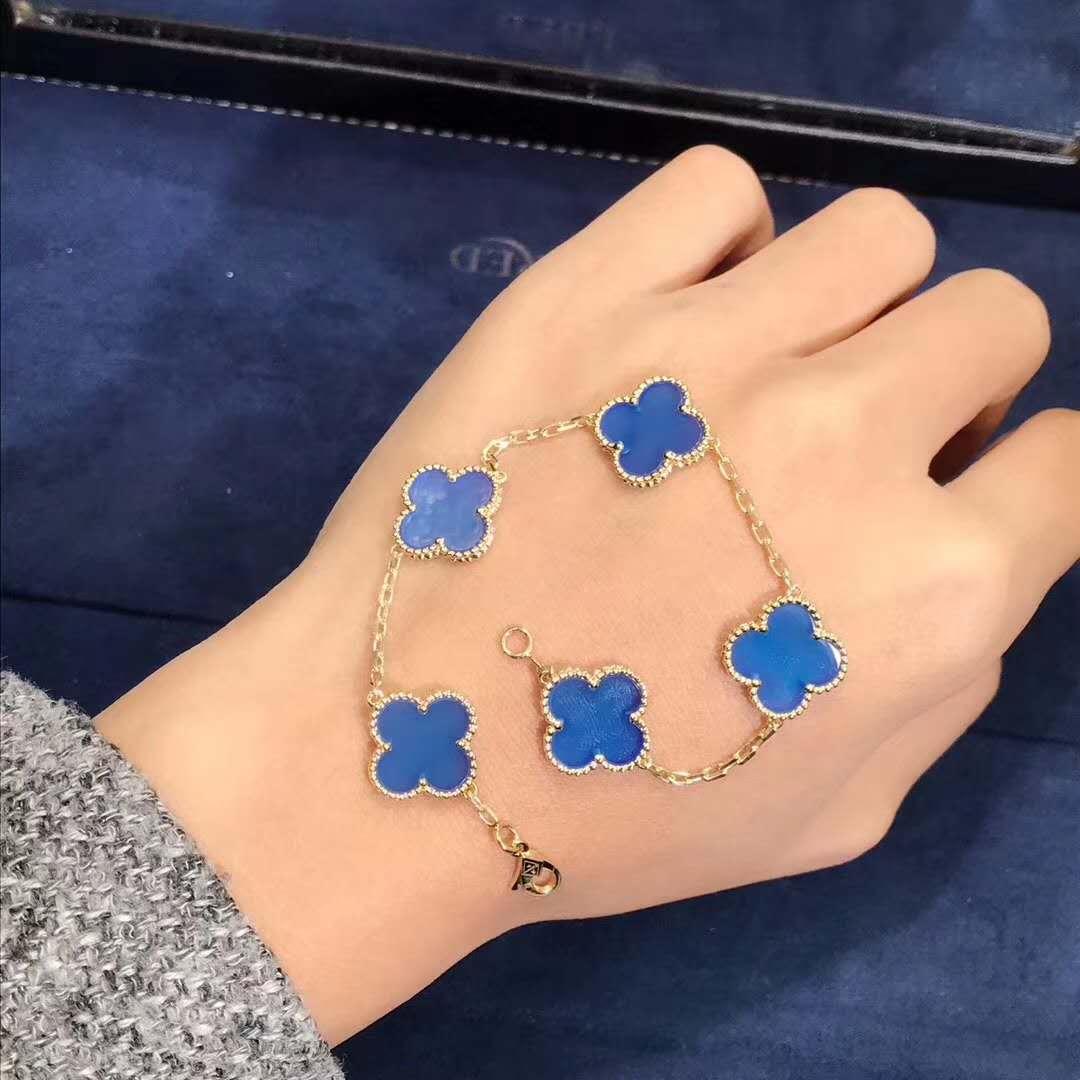 Van Cleef & Arpels Vintage Alhambra bracelet blue agate 5 motifs 18k yellow gold VCARP34900