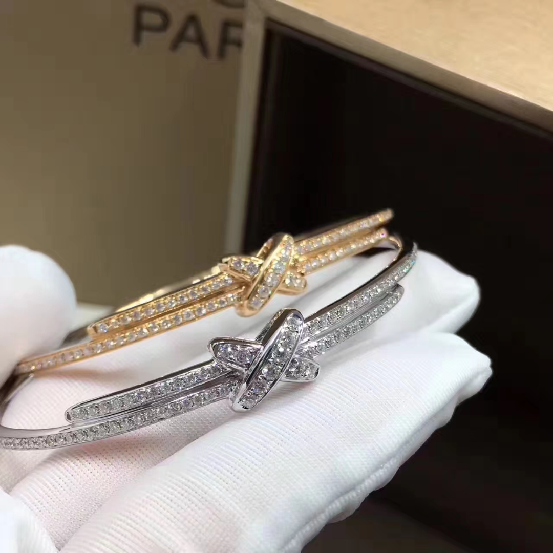 Jeux de Liens Chaumet Premiers Liens bracelet in white gold set with diamonds
