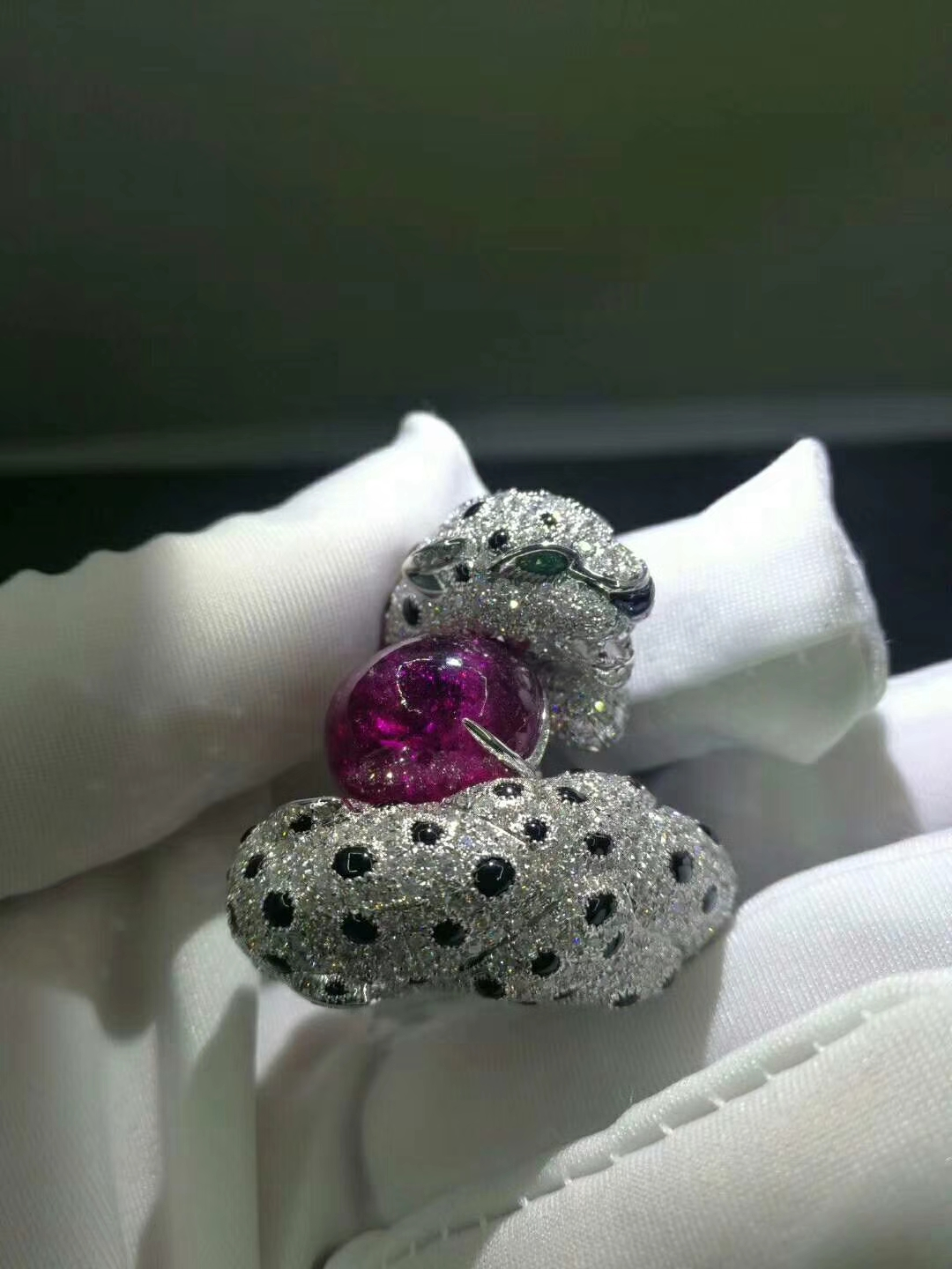 White Gold Panthère de Cartier High Jewelry ring pave diamonds with Ruby