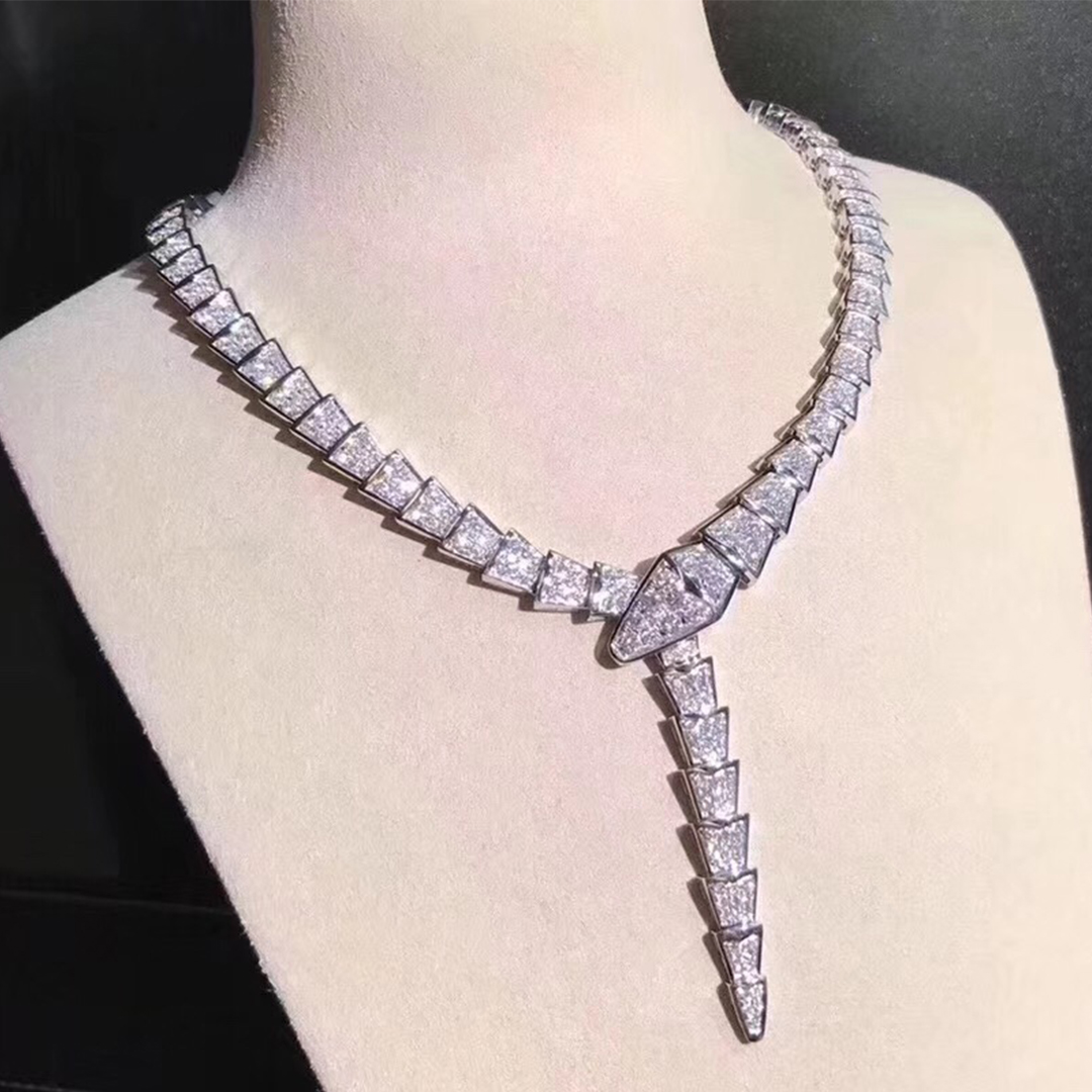 Bvlgari Serpenti 18kt white gold and pavé diamond necklace