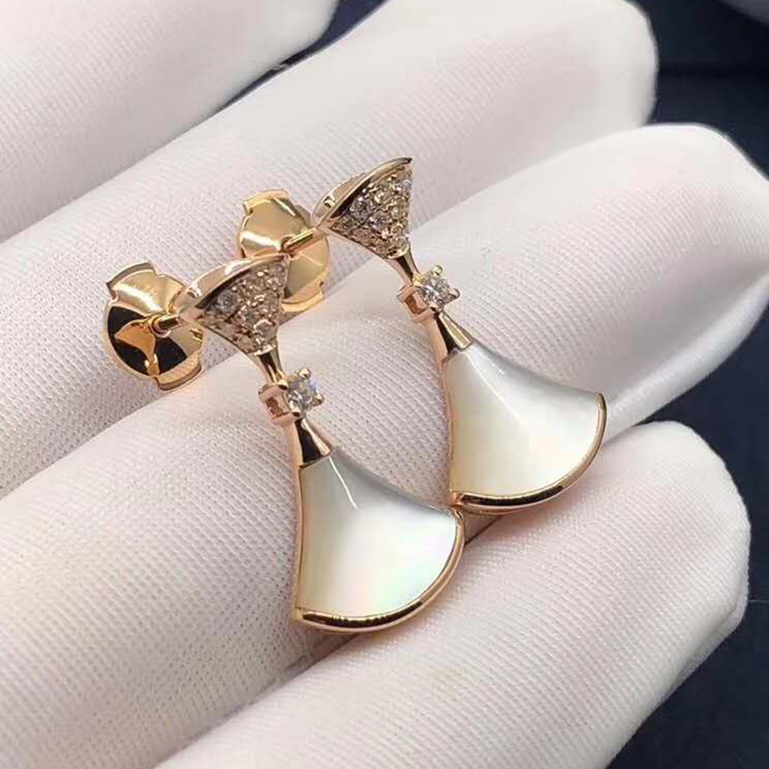 Authentic Bvlgari Divas' Dream Earrings 18k Rose Gold with White Mother of Pearl and Diamond