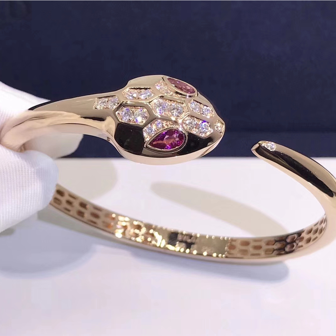 Bvlgari Serpenti bracelet in 18kt rose gold set with rubellite eyes and diamond